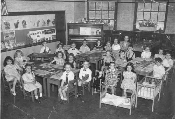 Wetherill School, Miss Springer's Class, 1945-46; Photo courtesy of Janet (Goldsworthy) Kelly-Ogurko